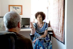 Shulamit Lando working with a client